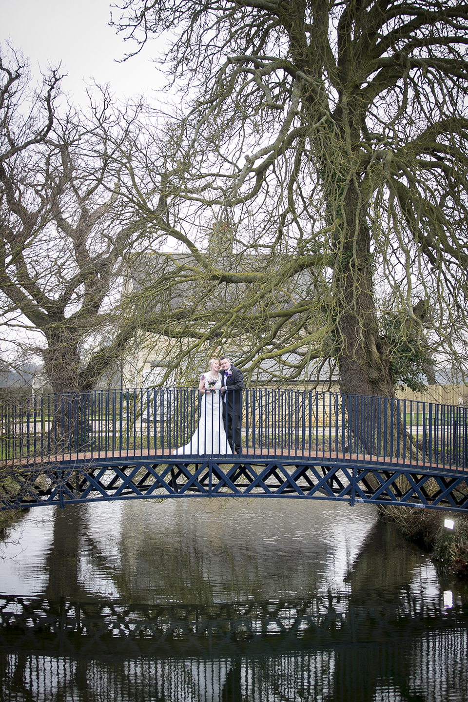 Make the most of the beautiful grounds at this stunning Cambridgeshire wedding venue