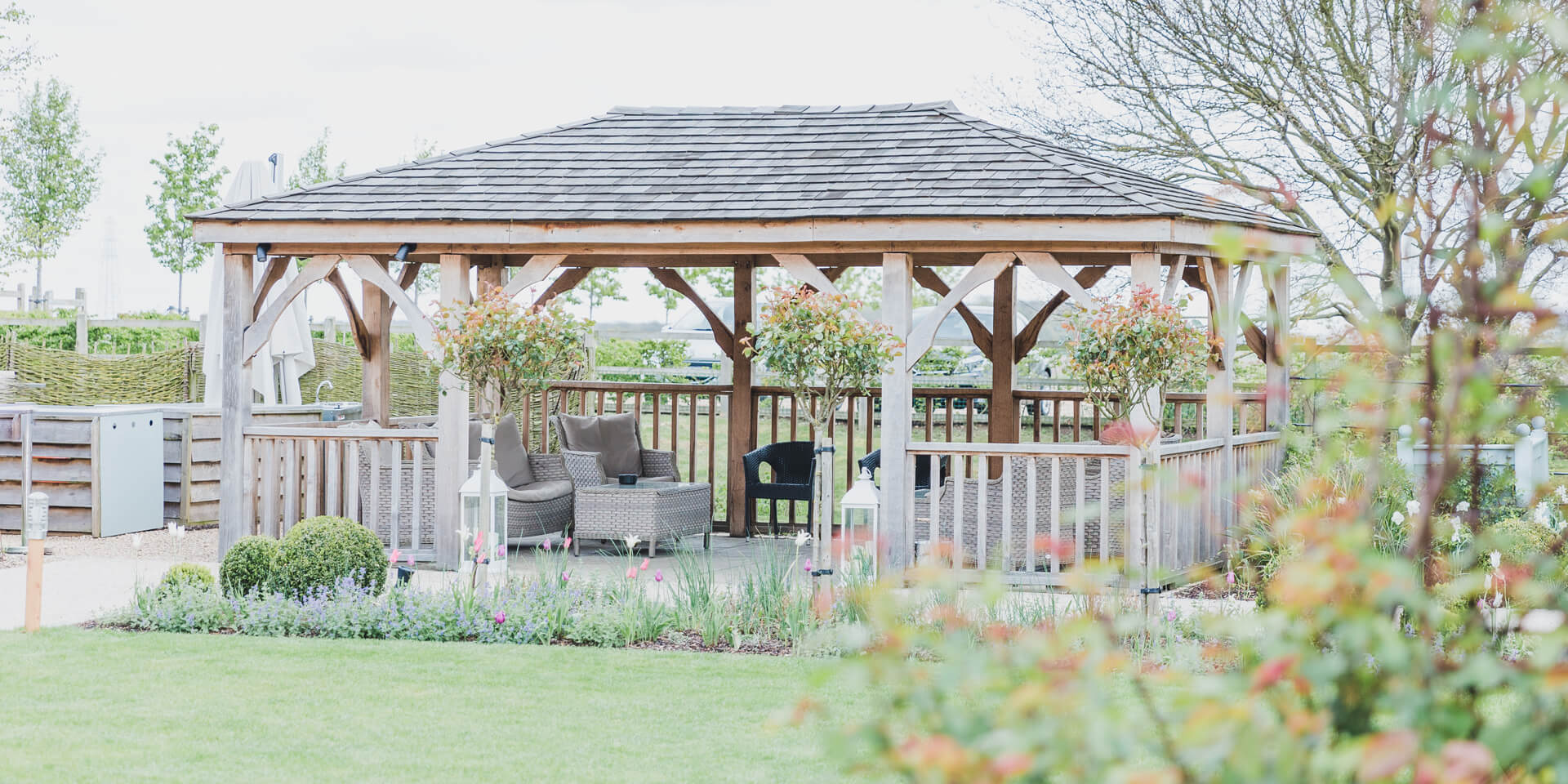 At Bassmead Manor Barns there is plenty of undercover outdoor space for your wedding guests to relax on your wedding day