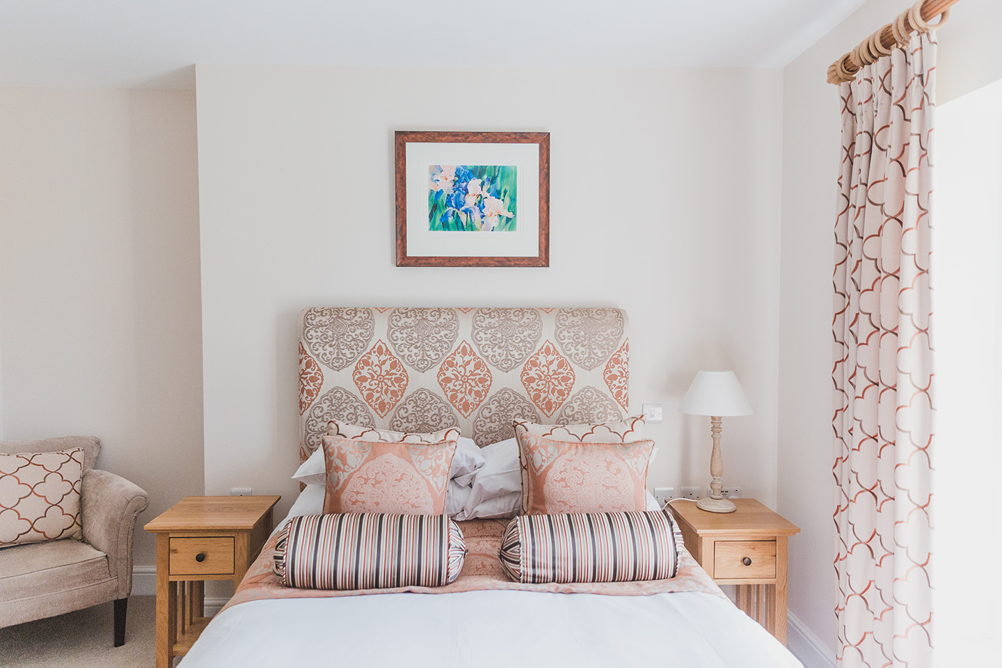Beautiful colour scheme for guest bedroom
